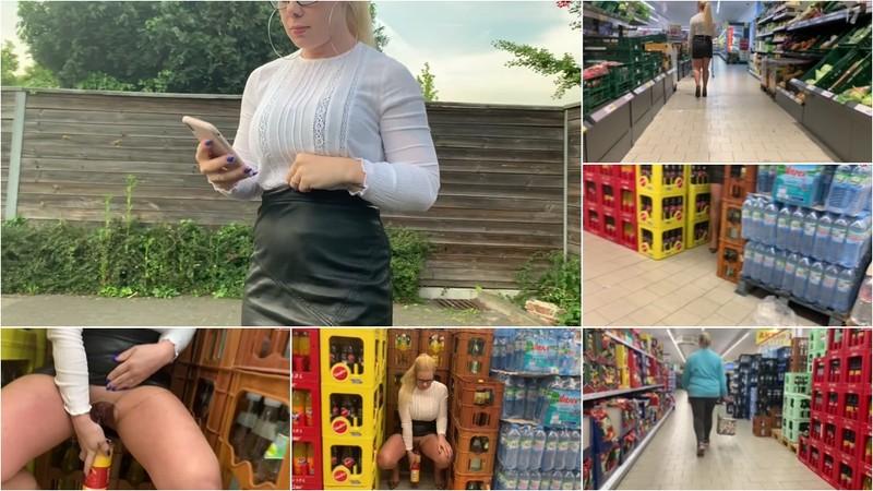 devil-sophie - Extrem dreist Public in die Chips Dose im Supermarkt gepisst - Schnell zurueck damit ins Regal [FullHD 1080P]