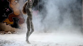 Naked  Performance Art - Full Original Collections - Page 7 1gli26wjvzxr