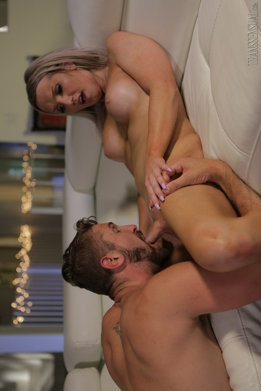 TS Girls On Top #03 – Kayleigh Coxx & Wesley Woods (8 November 2019)