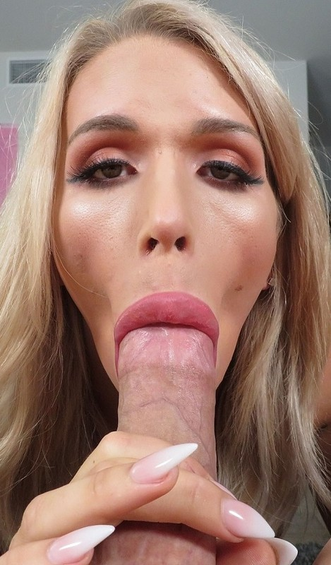 Cassandra Lovelox Blonde Bombshell Shows Off The Goods (11 November 2019)