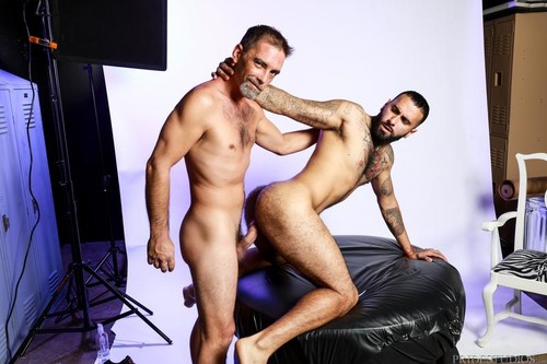 Photo Shoot Seduction - Joe Parker, Rikk York (Bareback)