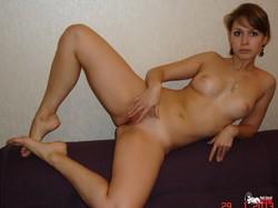 MOMMY-WITH-LONG-HOT-LEGS-f700dv1wi4.jpg