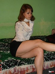 MOMMY-WITH-LONG-HOT-LEGS-0700dul712.jpg