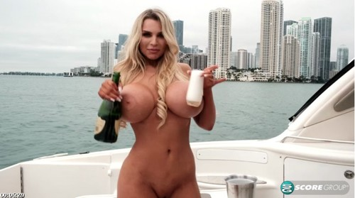 Rocks The Boat In A Nude Year Party [SD]