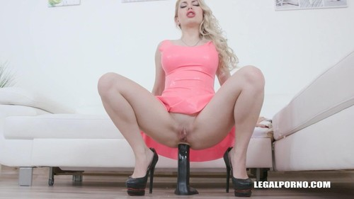 Isabella Clark Drinks African Champagne Iv437 [HD]