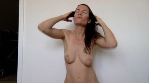 Nastymarianne - Smearing my hair after my shower - Solo Scat Fetish, Defecation, Shiting Girl, Dirty Ass