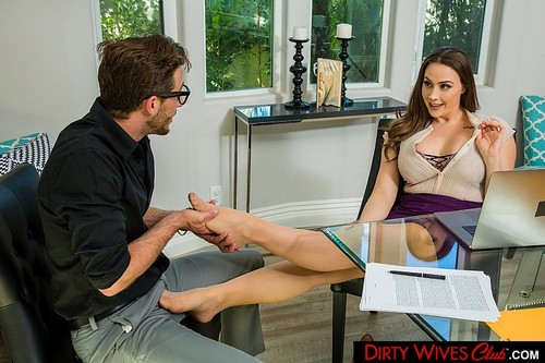 Chanel Preston - Chanel Preston Fucks Assistant [SD/360p]