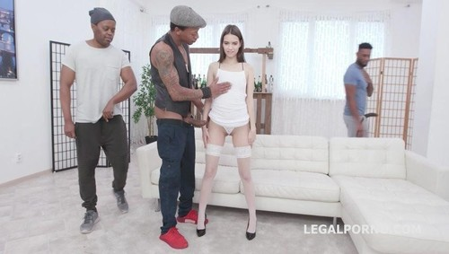 Pinky Breeze, Yves Morgan, Dylan Brown, Freddy Gong, Oscar Batty - Pinky Breeze Vs 4 Bbc Balls Deep Anal And Dp, Gapes And Facial Gio1331 [SD/p]