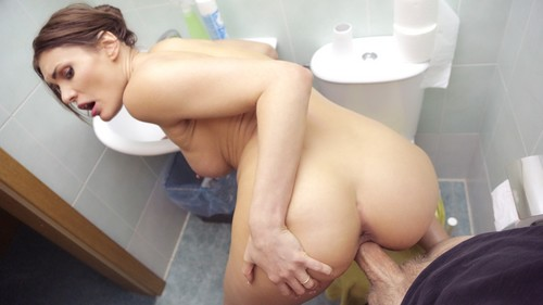 Lost Babe Cheats For Cash [FullHD]