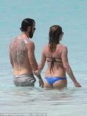 Jennifer Aniston Hits the Beach in a Bikini – Pregnant or Not?