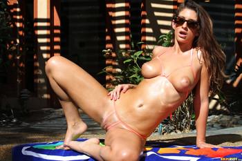 %5BBR%5D-Karina-White-Peach-Peekaboo-Bikini-%282000px%29-x-85-371gxpm0vg.jpg