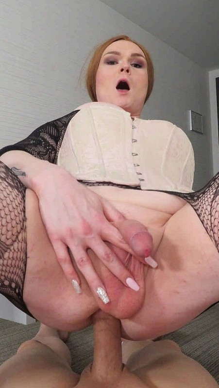Emma DeLynn Corseted New Trans Model Adores Cock (17 February 2020)
