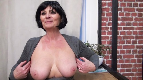 The Very Naughty Dynamic Of Salom, 57 Years Old - Double Penetration [FullHD]