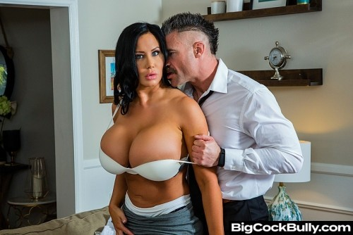 Sybil Stallone Is Tired Of Her Husbands Bullying And His Little Dick [SD]