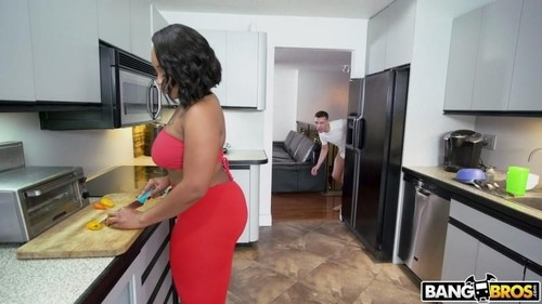 "Mimi Curvaceous in ""Humping The Curvaceous Step Sister"" [HD]"