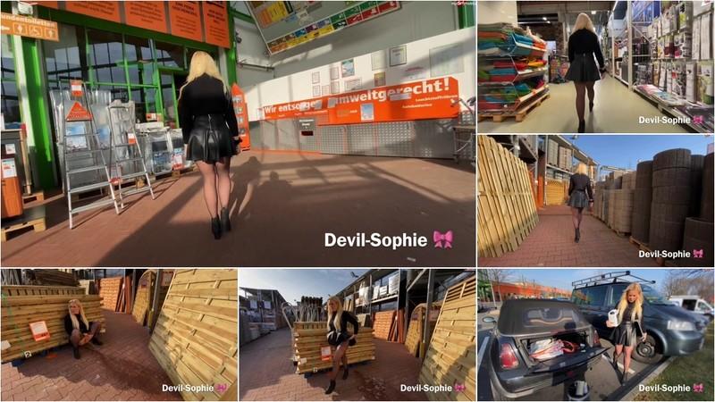 devil-sophie - Mit voller Blase in den Baumarkt - Privater Einkauf eskaliert [FullHD 1080P]