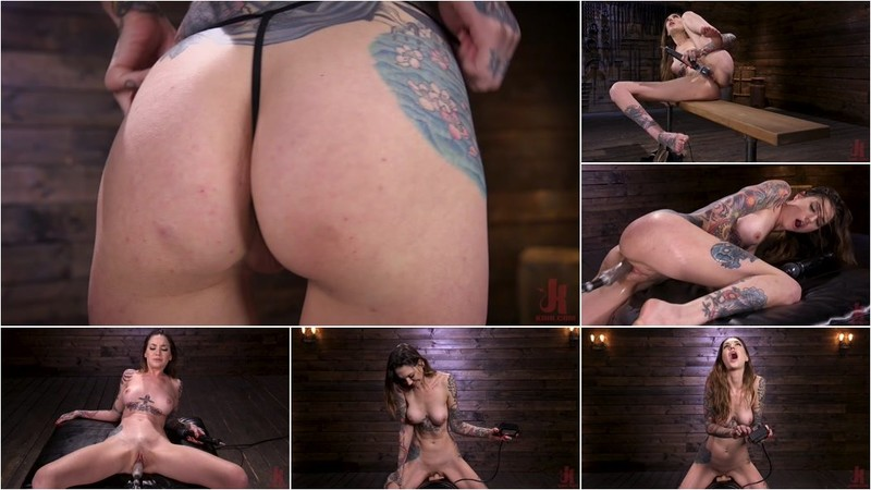 Rocky Emerson - Sexy Alt Girl Rocky Emerson Has Nonstop Orgasms From Fucking Machines [HD 720p]